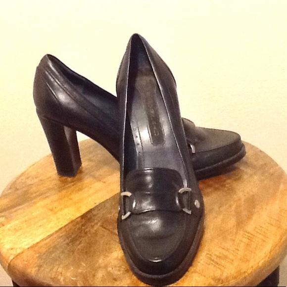 36d28aa8c811 Vintage Bandolino black leather heels size 6